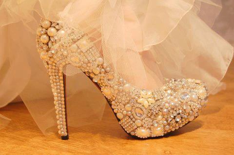 İNCİLİ ayakkabı